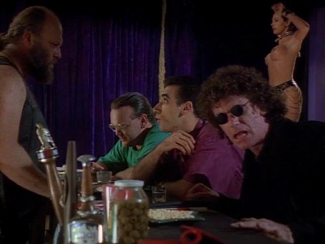Стриптизерк(ш)а / Stripteaser (1995) DVDRip