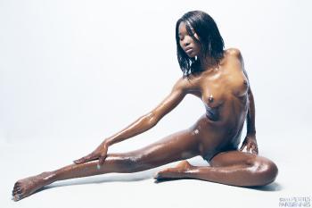 06 - Amina - glossy chocolate (43) 4000px