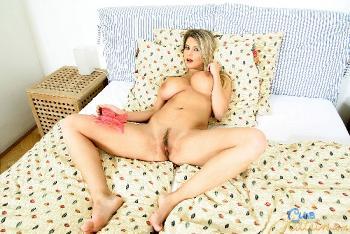 Katrin Kozy - Butterflies In My Pussy