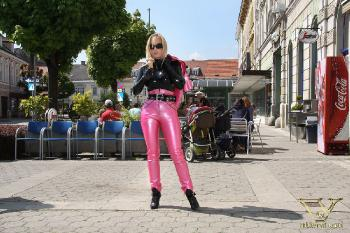 025 - breakfast in pink latex