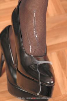Pantyhose Mistress RedOptics.com