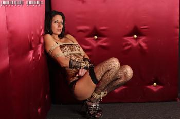 20110224 Nikki Daniels