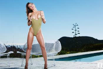 05-03 - Casey Connelly - Cool In The Pool