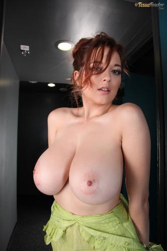 Tessa Fowler - Green Top Pink Bra - Set 2