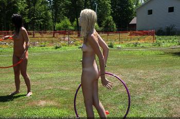 Nudist Hula Hoops Game 2