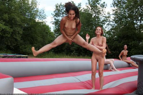 Bouncy Arena Acrobats 2